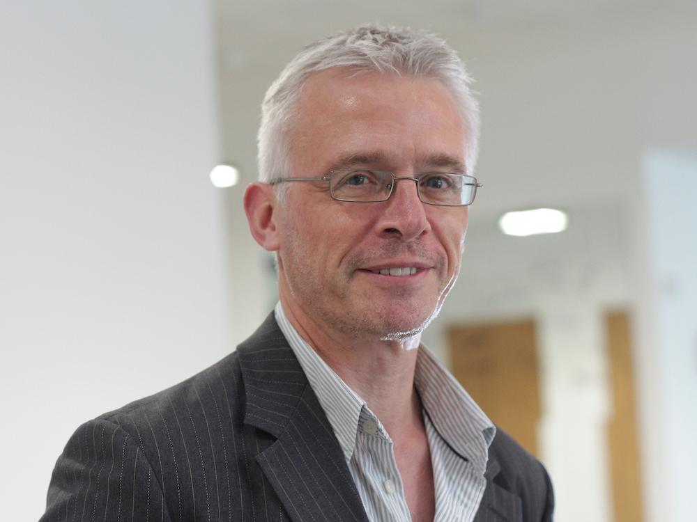 Dr Andrew Bennett